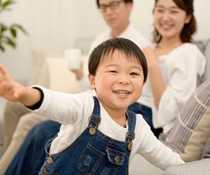 当院にて小児矯正や予防メンテナンスに取り組み、すでに数多くのお子様がカリエスフリー(12歳までにむし歯ゼロを達成)したり、二期矯正と呼ばれるワイヤーを用いた矯正治療が不要になるほどに改善がみられているお子様も沢山おられます。