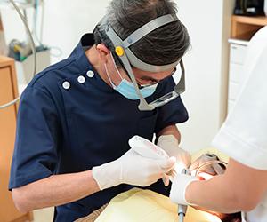 本格的な麻酔を用いることで、1回の治療時間を2~3時間一気にかけることができるため、結果としては来院する回数が減り、治療の期間も短くて済むようになります。