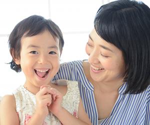 0~3歳までの時期は、きちんと乳歯が生えそろってくるかを見る時期であり、矯正治療による介入は必要ありません。